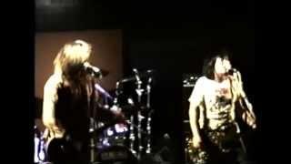 """Johnny & DeeDee"" (Eastern Dark) - Bum (live 1993)"