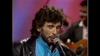 Eddie Rabbitt - Driving My Life Away - STEREO - Nashville Now