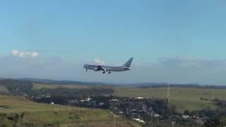Belíssimo avião da EuroAtlantic pousando em Confins