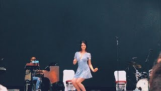 Lana del Rey - Tiara moment at «Summertime Sadness» @ Lollapalooza, Paris 23/07/2017