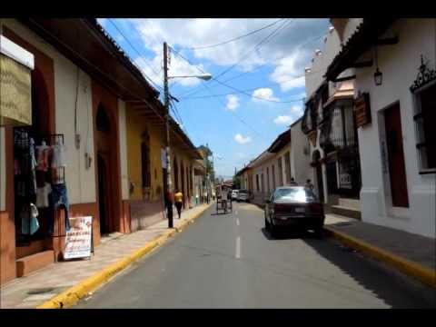 Leon, Nicaragua レオンのバスターミナル付近からセントロへ