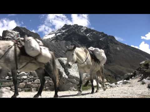 Trekking in Nepal – Everest Base Camp & Gokyo Lakes Trek