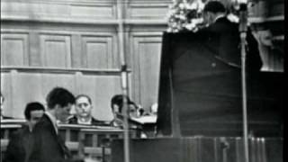 Van Cliburn plays Tchaikovsky