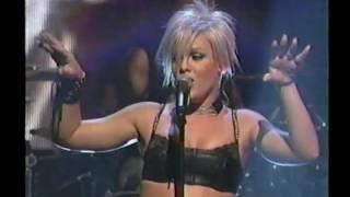 P!nk - Janie's Got A Gun Live at MTV ICON, Aerosmith 2002