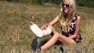 Caroline real medical short leg cast