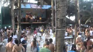 banda forro beach em Ritimo de carnaval