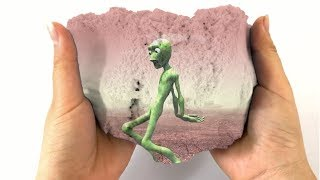 Green Screen Surprise Kinetic Sand Magic Show Alien Dance Challenge | How To Play Mad Mattr For Kid