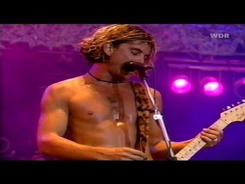 bush-comedown-live-at-bizarre-festival-1997-high-quality-video-perro-chow-chow