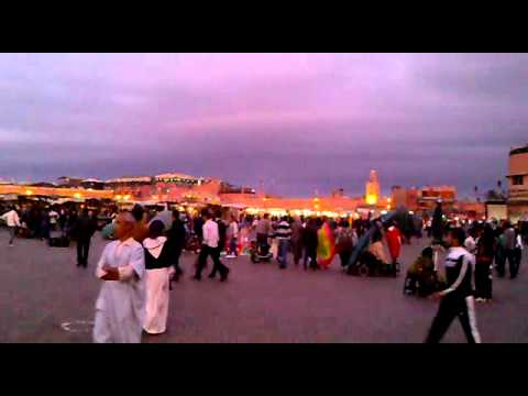 Jemaa El Fna square by night – Marrakesh – Morocco / Marakesz, Maroko