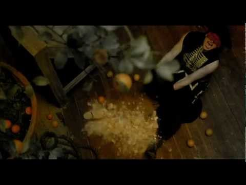 massive-attack-paradise-circus-the-fall-video-lyrics-lichtwerk