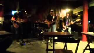 Óculos escuros - Mato virgem (Live in Leão - 24-03-2012)