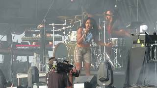 "SZA - ""Go Gina"" Live at Hangout Music Festival 2018"