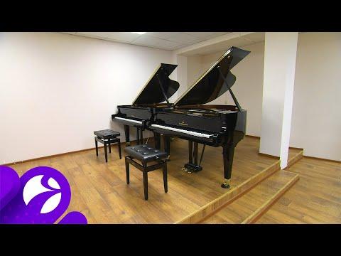 В Новоуренгойскую детскую школу искусств поступили два новых рояля