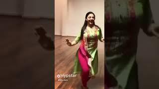 Tune suit suit karda . Panjabi girl dance