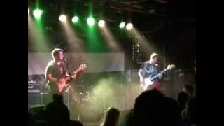 Keleven - Raise up your hands (live)