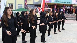 İstiklal Marşı'nı işaret diliyle okudular