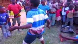 Crianças Africanas da origem Moçambicana