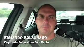 Eduardo Bolsonaro responde mãe de Gregório Duvivier que usou filho deficiente contra Bolsonaro