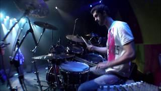 """Oswaldo Montenegro canta """"Muito Romântico"""", de Caetano Veloso."""