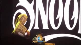 Snoop Dogg Bailando Shaky Shaky daddy y yankee  En Concierto  2017