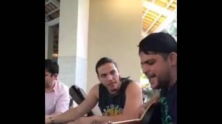 Wesley Safadão sofre escutando Jorge e Mateus