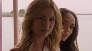 Revenge 1x01 - A primeira troca de olhares entre Emily e Victoria