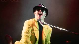 2  Island Girl (Elton John - Live in New York 10/3/1989)