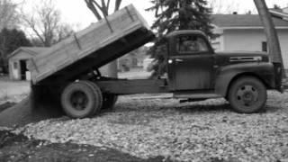 49 F6 Ford dumping gravel