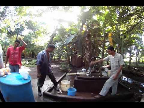 Building in Nicaragua : Teak post and concrete block bodega
