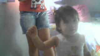 Sofia dançando funk...