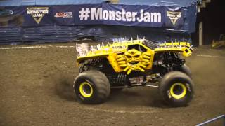 Monster Jam featuring the AMSOIL Series - [Round 4 - East Series] - Milwaukee, WI
