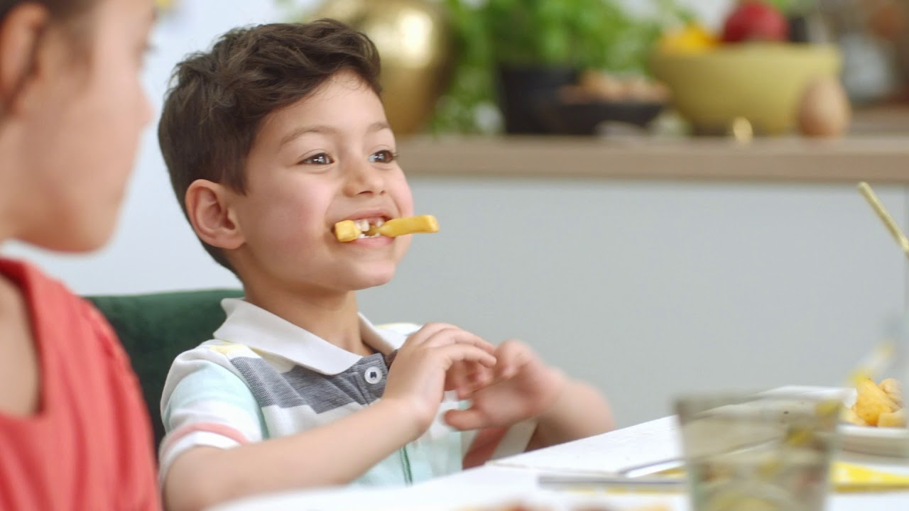Cast of child models for international commercial Philips