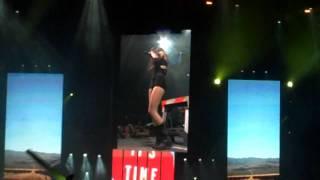 Miley Cyrus's little striptease