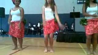 Te Vaka - Pate Pate; girls dancing :)