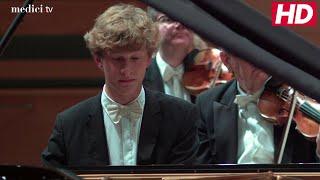 Lionel Bringuier with Jan Lisiecki - Chopin: Piano Concerto No. 2 in F Minor