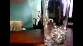 enchendo o copo