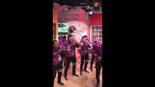 Banda La 602 cantando cucaracha en Alas 9 WTV