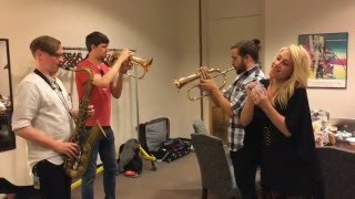 """Lucy & Snarky Puppy """"Too Hot To Last"""" backstage"""
