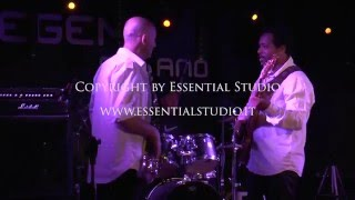 Olhos coloridos - B Sound live @ Legend Club (great funky groove) - Emergenza Festival
