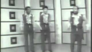 The Drifters - Under The Boardwalk  (Official Video) Re-Mastered