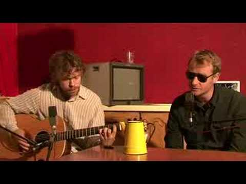 the-national-apartment-story-live-acoustic-herebesquids