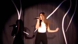 Hailee Steinfeld Performs Treat You Better - Live Performance