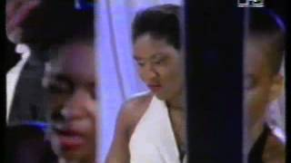 Rose Windross - Living life your own way (Official Video)