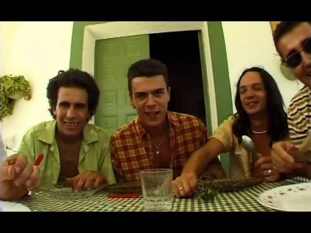 Videoclip oficial de la canción A la luz del lorenzo de Los Delinqüentes