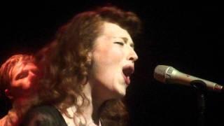 """Melissa Auf der Maur - """" Devil's Plaything"""" live (HD)"""
