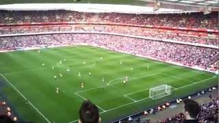 L'Arsenal vince e lo speaker suona Move on up