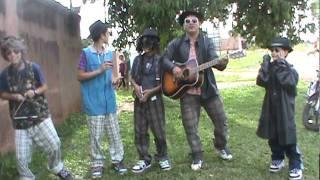 os minis Ceará Gospel cantando com o Ceará Gospel