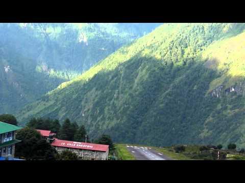 27.09.2010 – Nepal – aterizarea avioanelor in Lukla