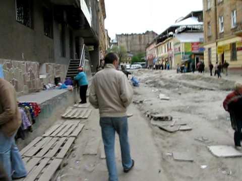 ulica w centrum Lwowa. majówka 2009. szok!