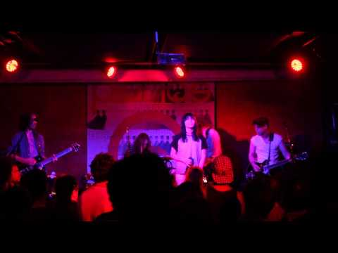 the-preatures-it-gets-better-pianos-cmj-2013-will-oliver